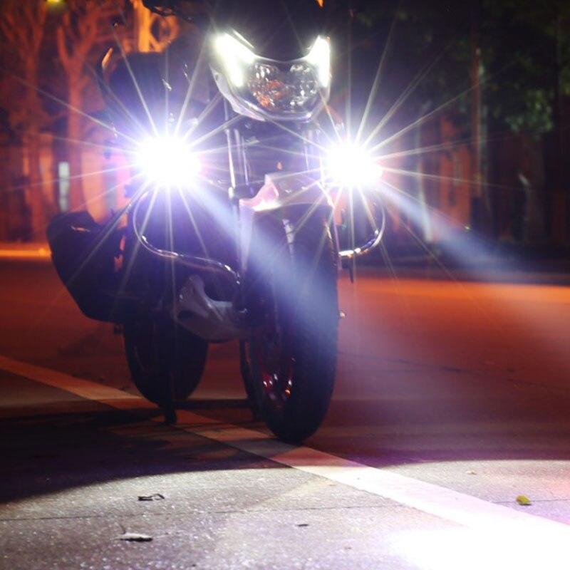 дополнительная фара на мотоцикл или скутер